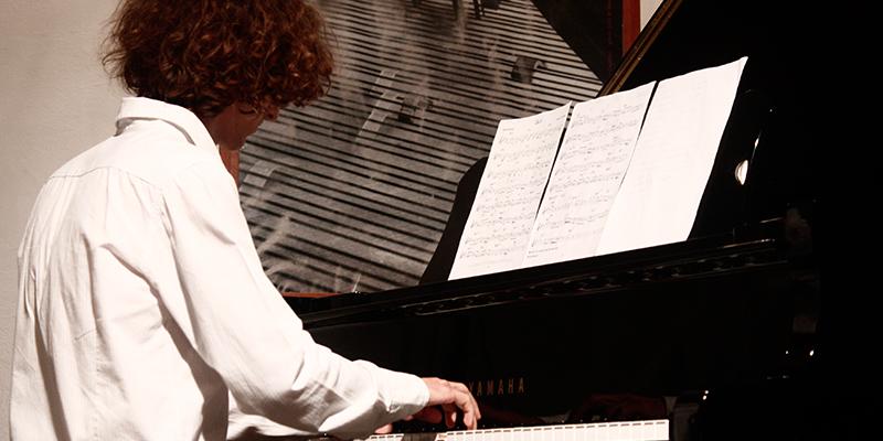 Corso di pianoforte a milano scuola di musica cluster for Corso di grafica milano